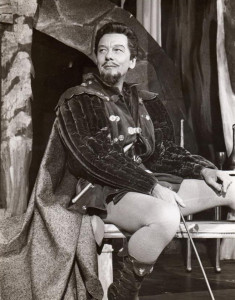 John Gielgud as Benedick in Much Ado About Nothing, 1959. (Licensed under Public Domain via Wikimedia Commons)